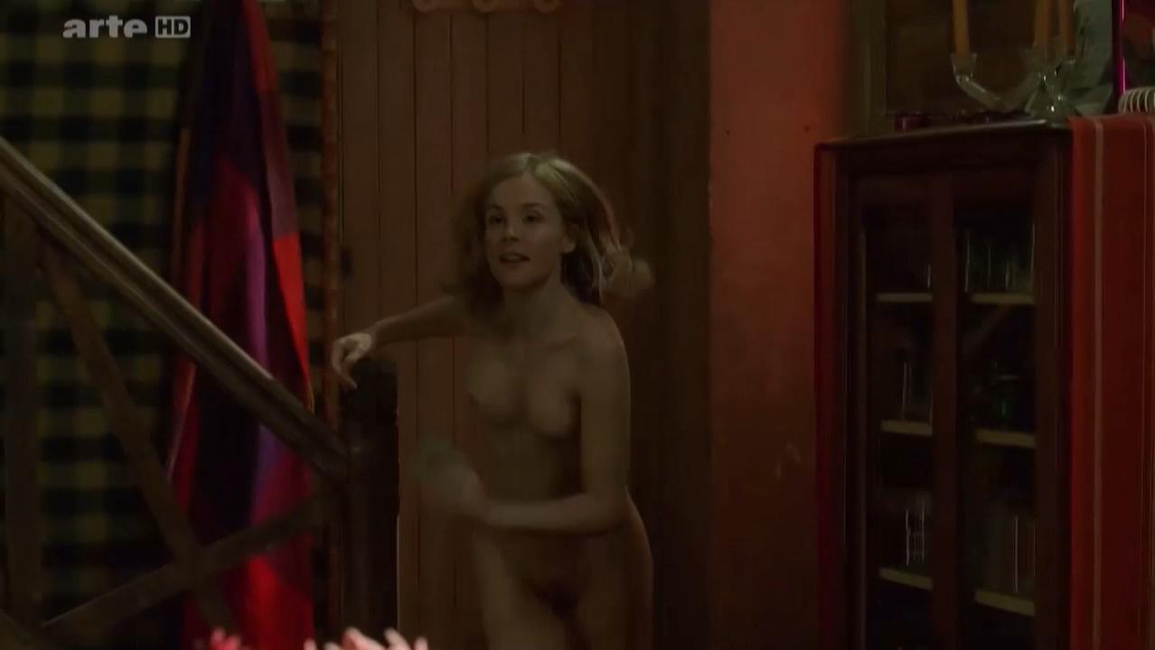 Isabelle Carre nude - Les sentiments (2003)