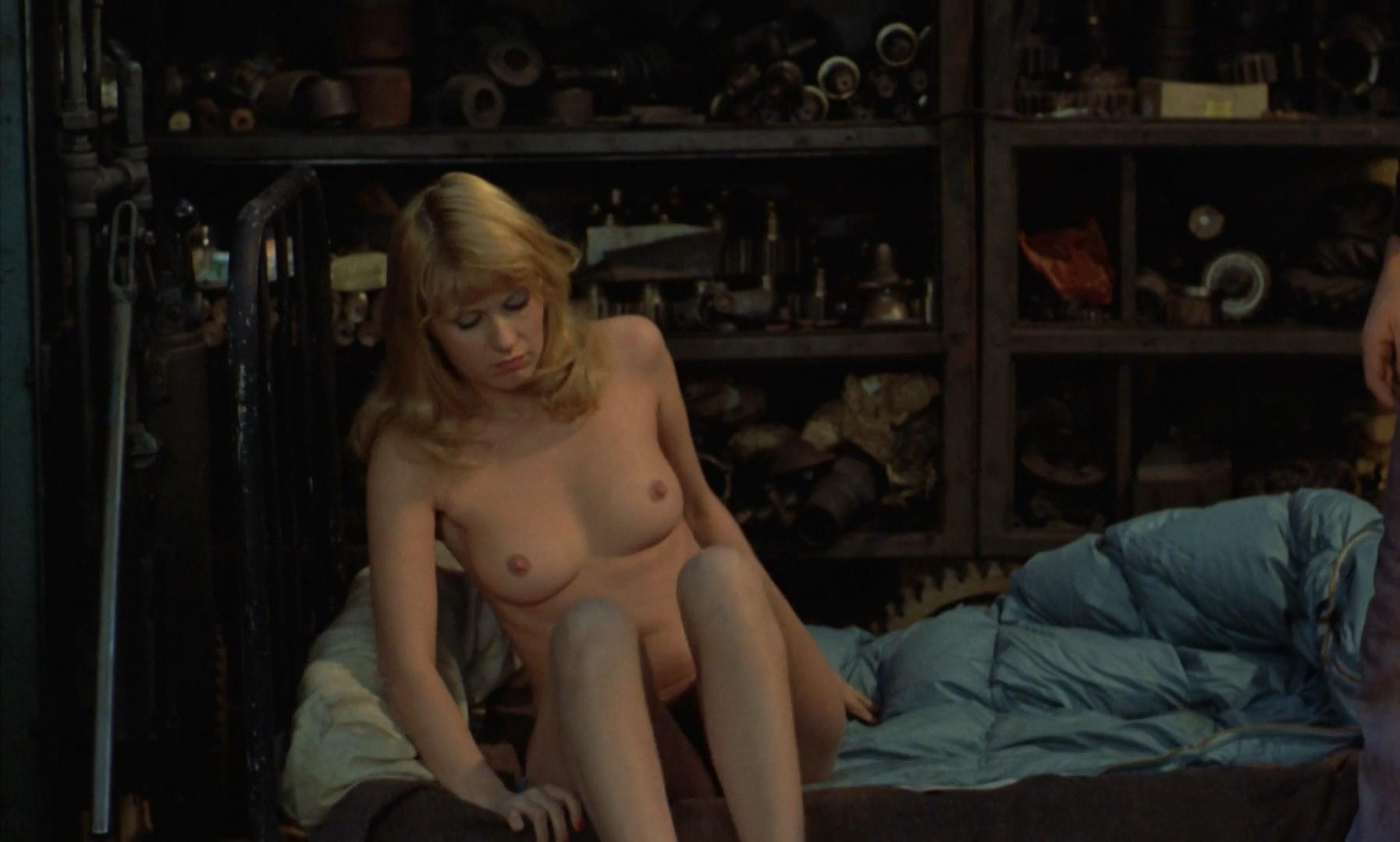 Nude scenes in neighbors