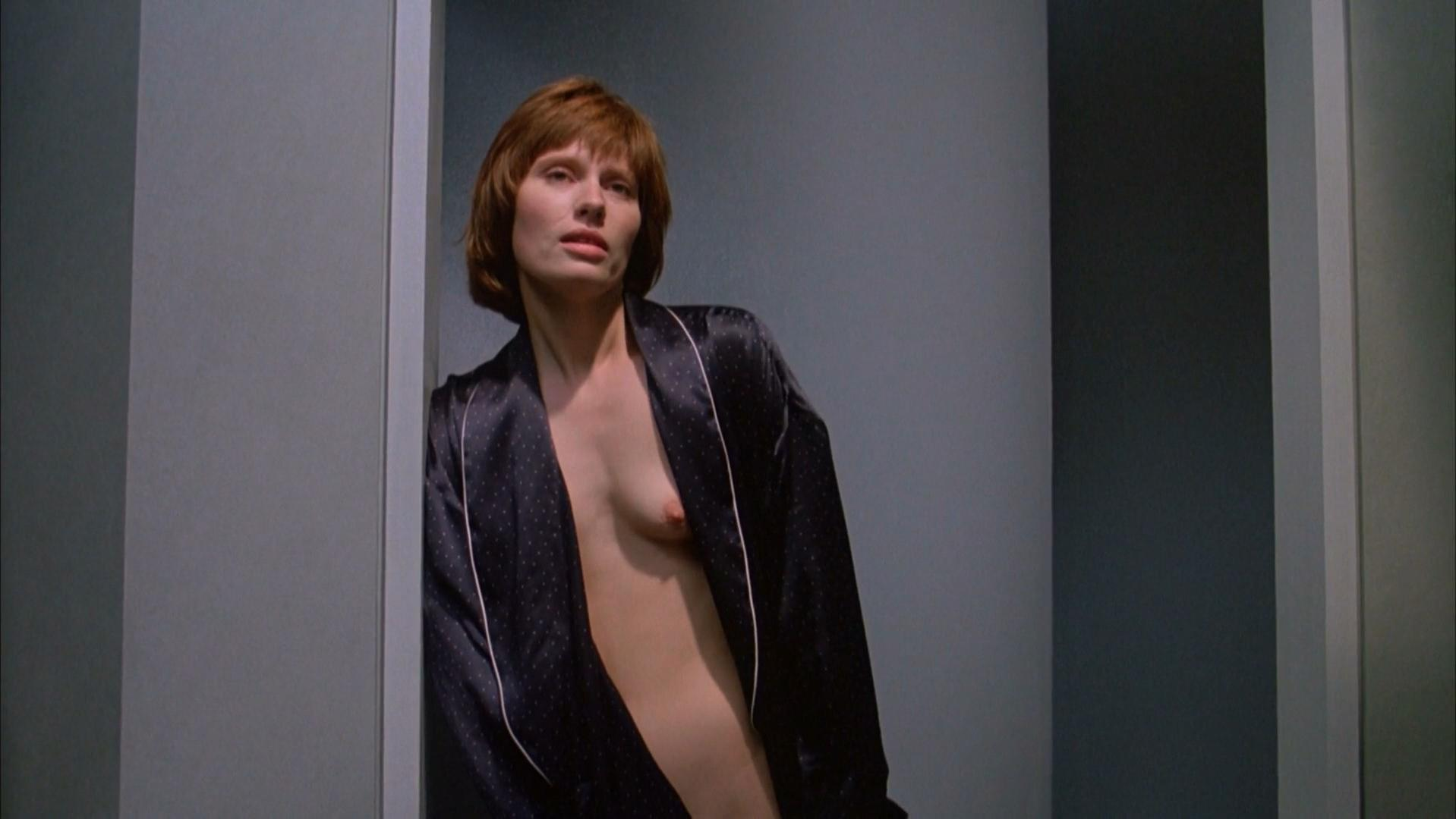 Heidi von Palleske nude, Genevieve Bujold nude - Dead Ringers (1988)