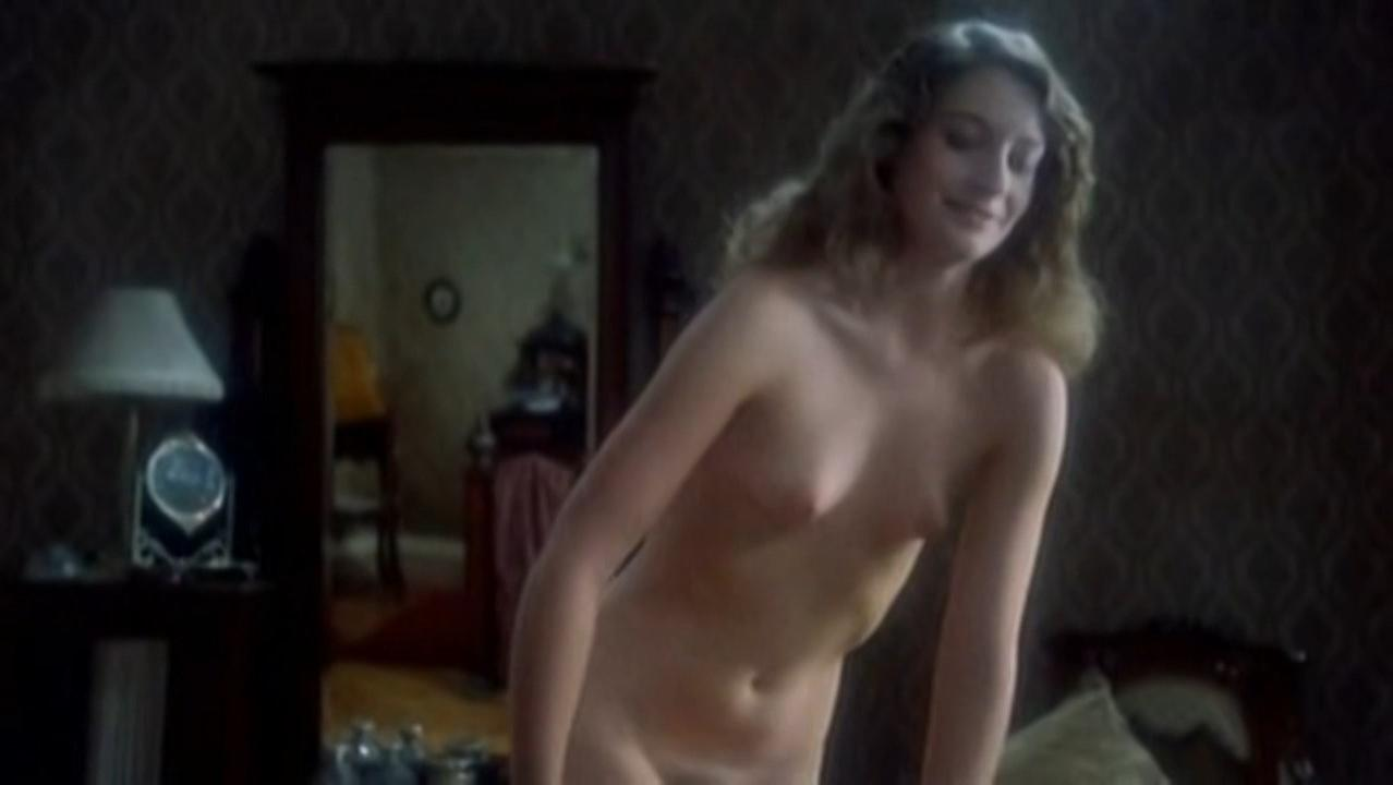 Assumpta Serna nude, Marion Game nude - Dulces horas (1982)