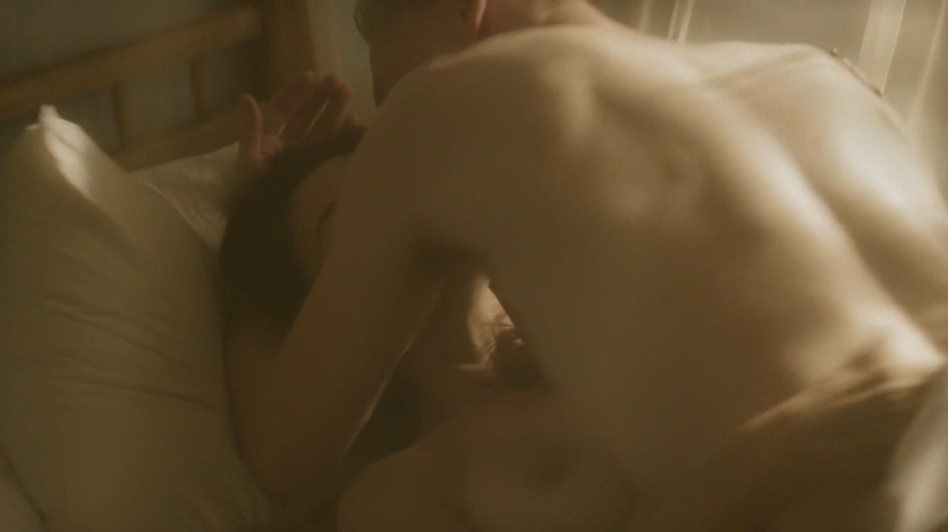 Aure Atika nude, Elizabeth Debicki sexy - The Night Manager s01e01 (2016)
