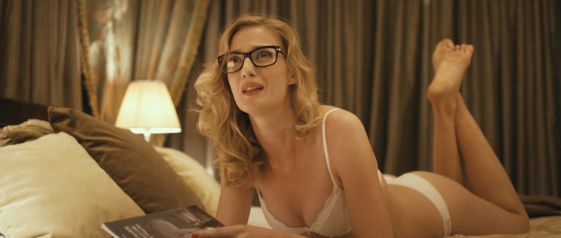 Eva Riccobono sexy - Passione Sinistra (2013)