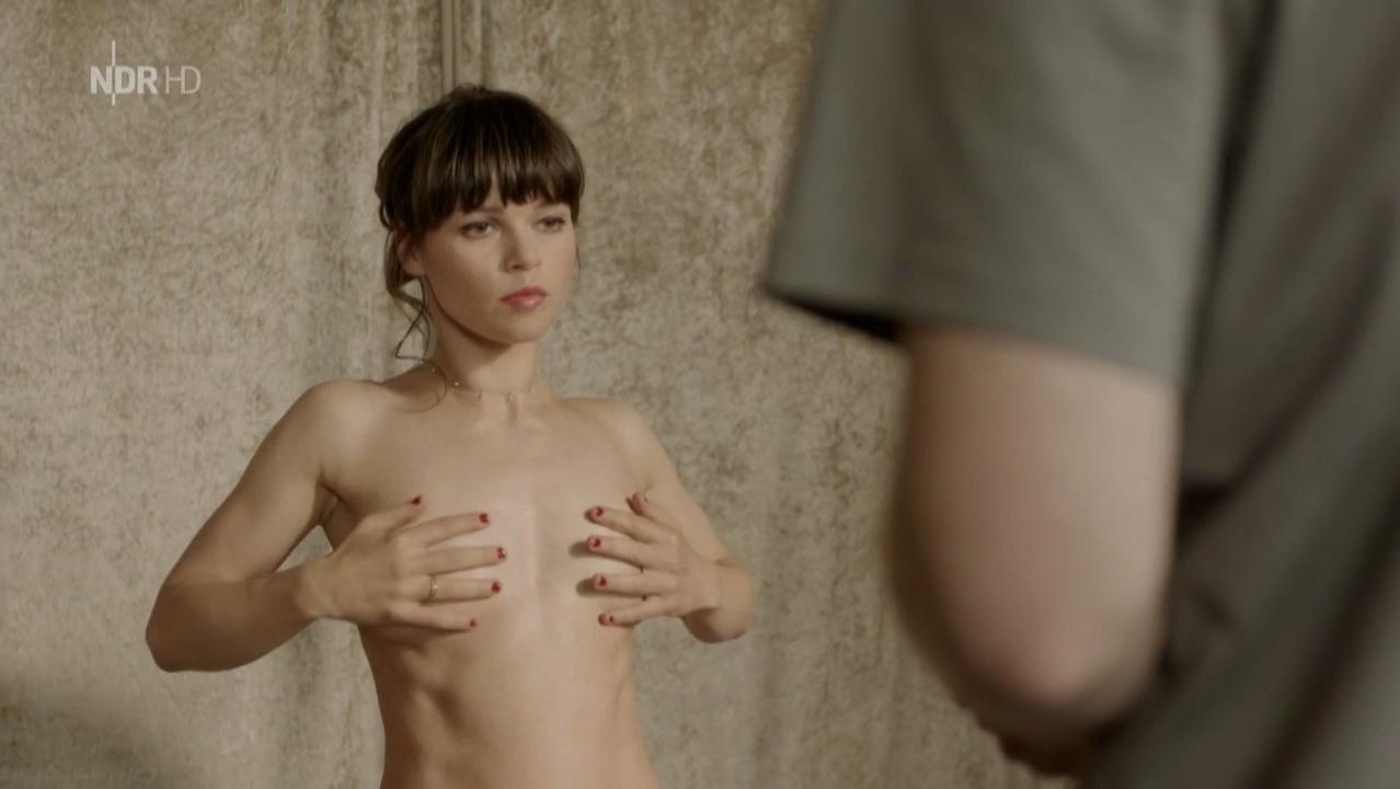 Lore Richter nude - Das Romeo-Prinzip (2015)