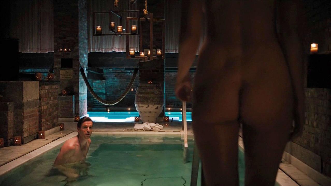 Lesbian scene from femme fatale s02e02 9