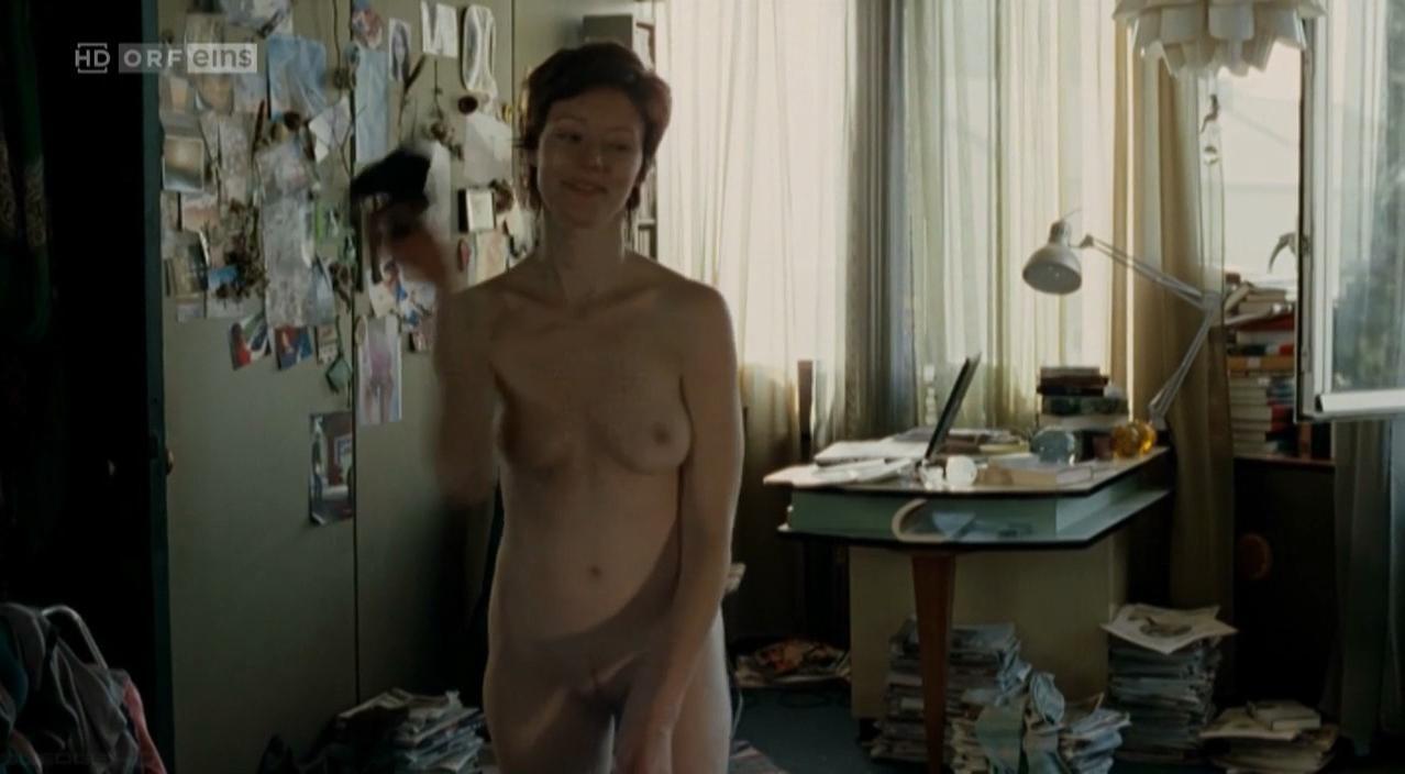 Lavinia Wilson nude - Freigesprochen (2007)