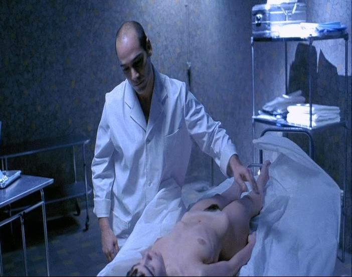 Elodie Bouchez nude - J'aimerais pas crever un dimanche (1998)