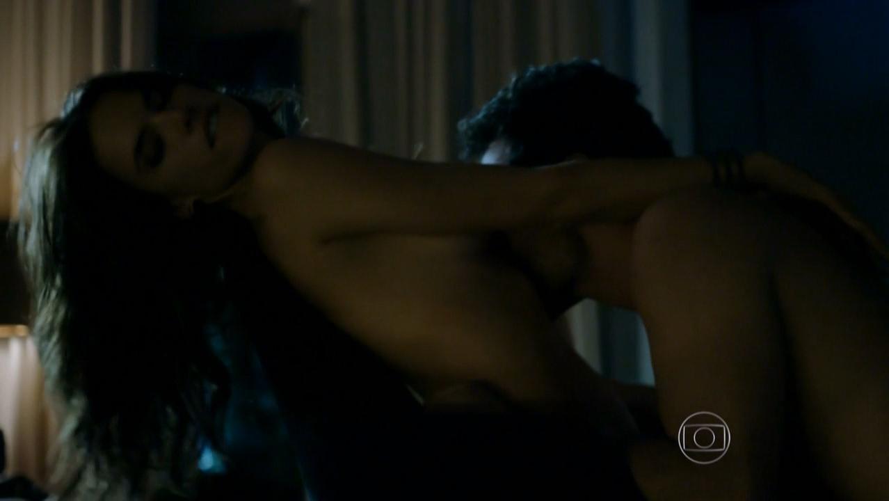 Alessandra Ambrosio nude - Verdades Secretas s01e01 (2015)