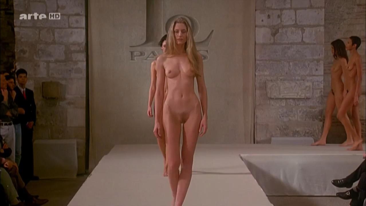 Eve Salvail nude, Georgianna Robertson nude, Rossy De Palma nude, Tara Leon nude, Ute Lemper nude - Pret-a-porter (1994)