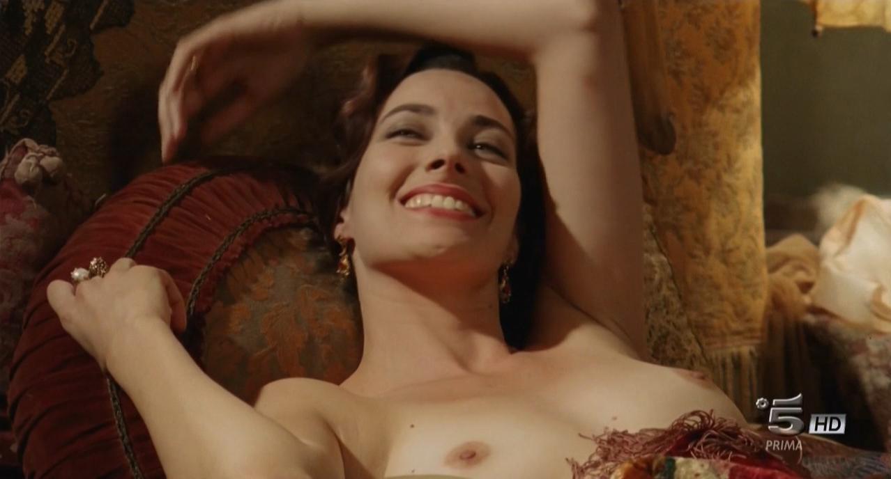 Daniela Virgilio nude - I segreti di Borgo Larici s01e01-02 (2014)