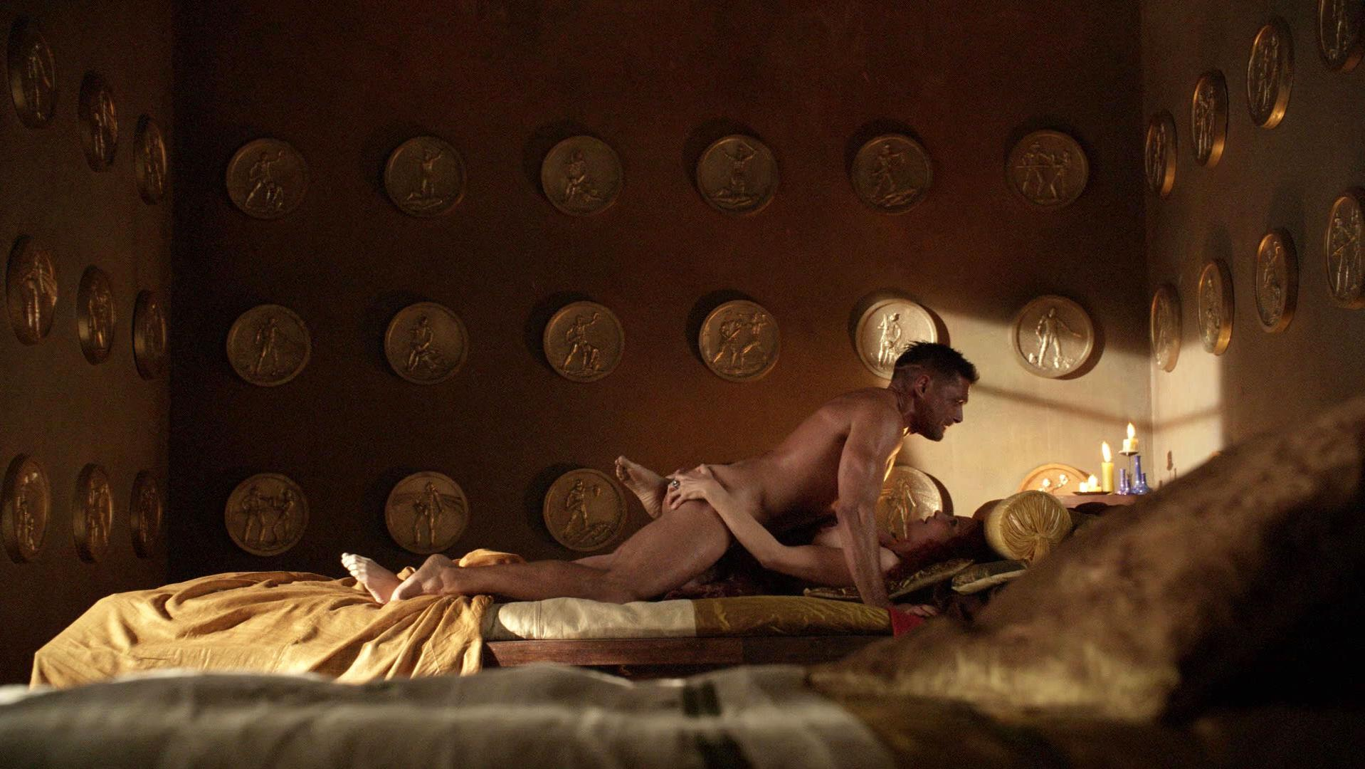 Lucy Lawless nude - Spartacus: Blood and Sand s01e08 (2010)