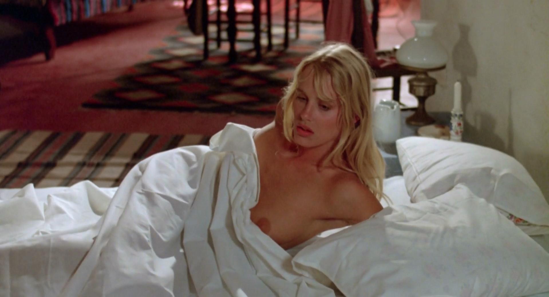 Daryl Hannah nude - Summer Lovers (1982)