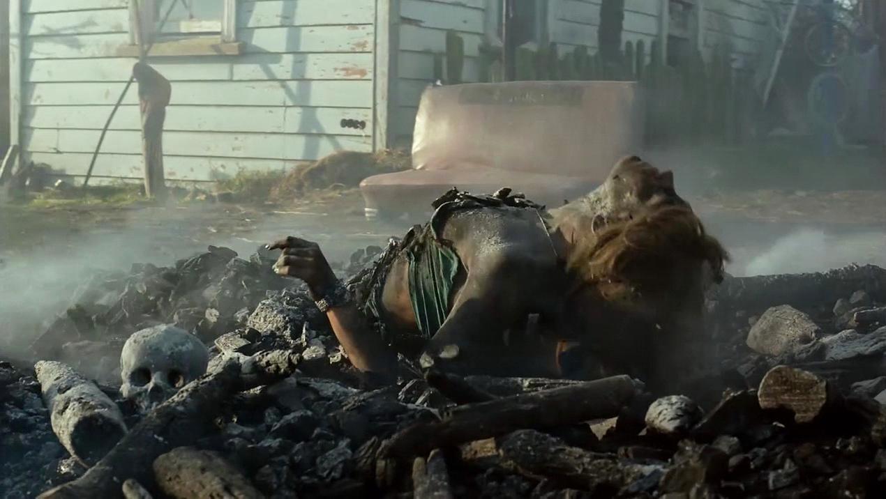 Lucy Lawless nude - Ash vs Evil Dead s01e07 (2015)