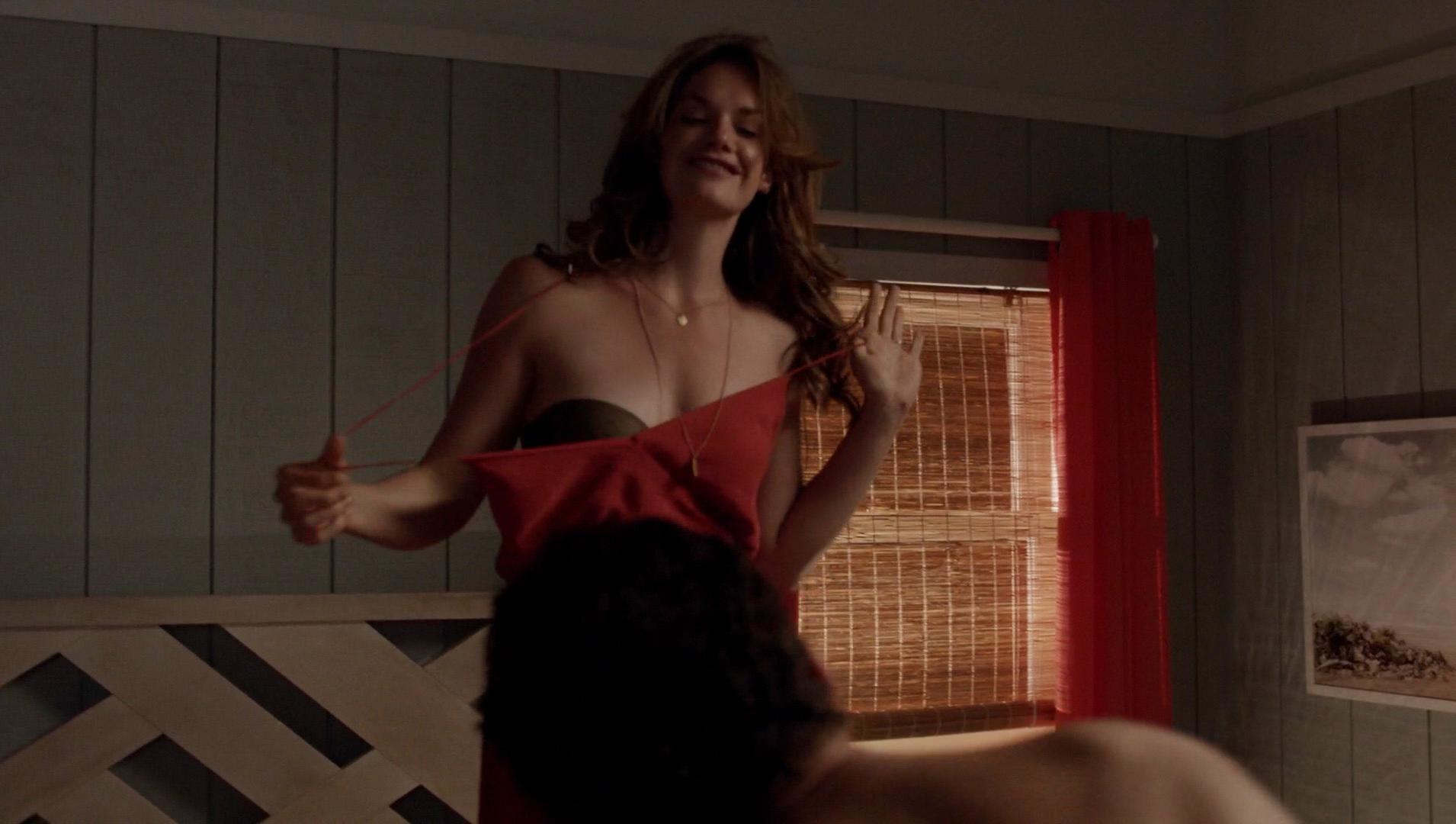 Ruth Wilson sexy, Julia Goldani Telles sexy - The Affair s01e06 (2014)