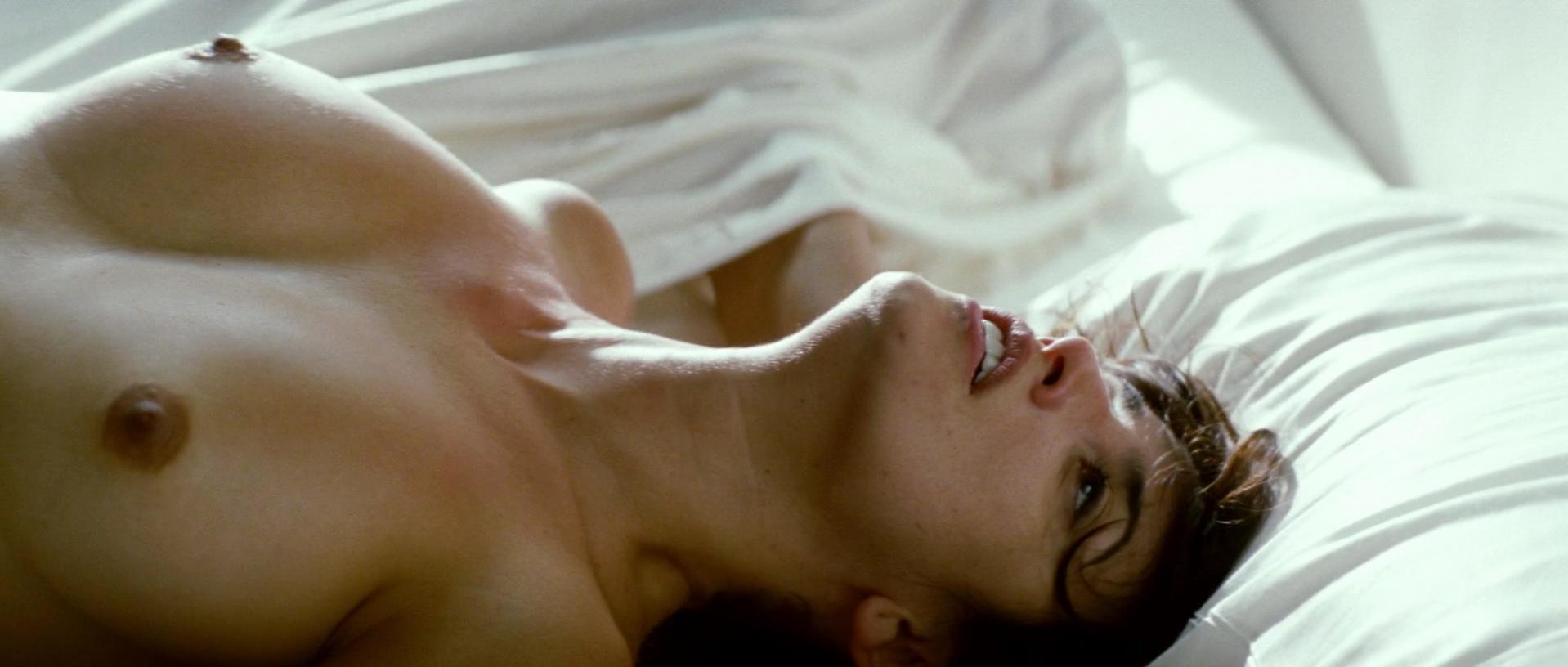 Penelope Cruz nude - Broken Embraces (2009)