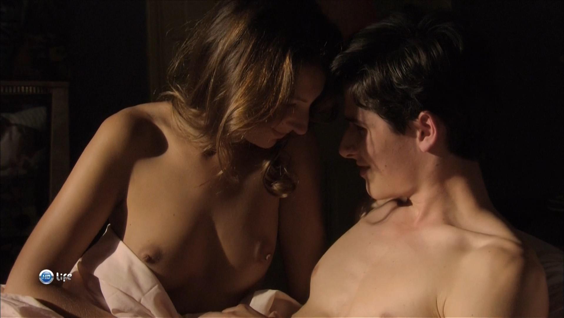 Julia Maraval nude - Beauregard (2009)
