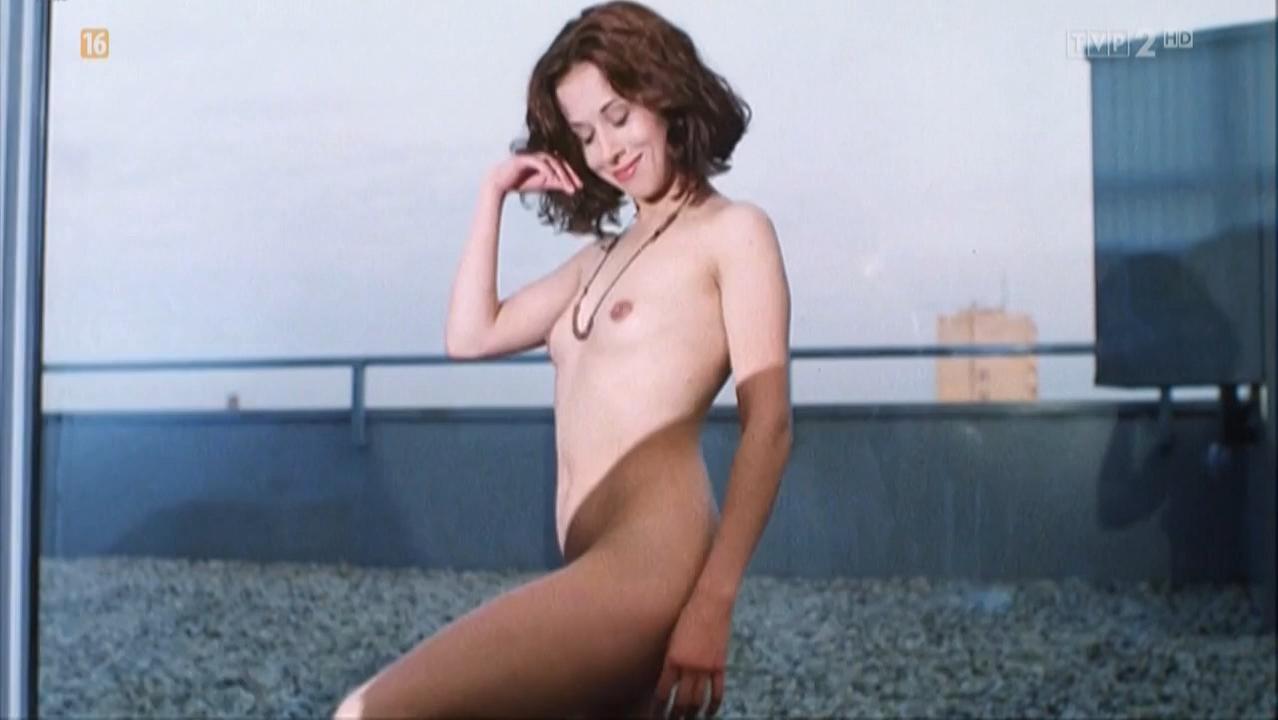 Jolanta Fraszynska nude, Ilona Trybula nude - Pora na czarownice (1993)