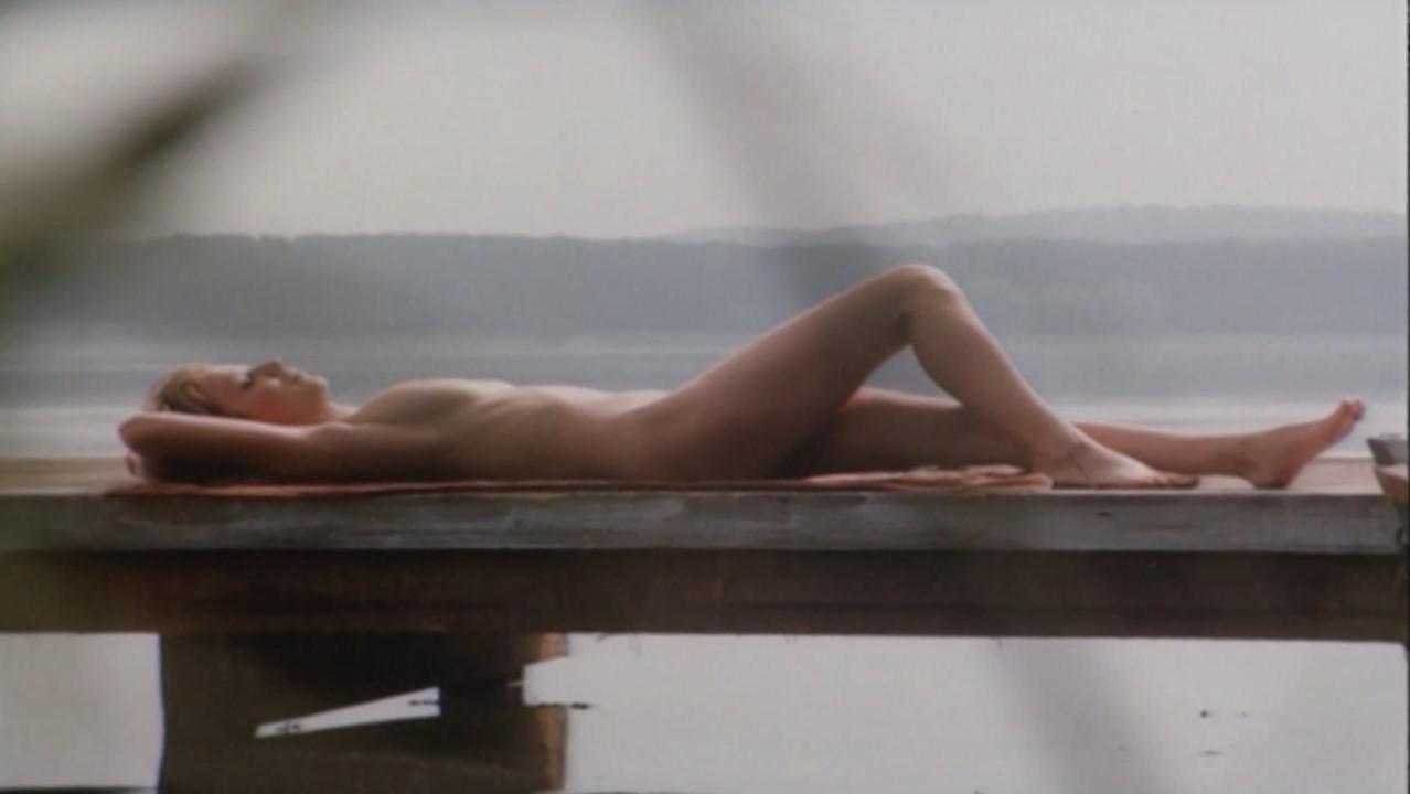 Dorota Kaminska nude - Karate po polsku (1982)