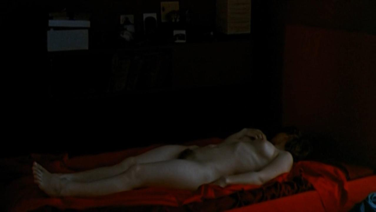Sophie Quinton nude, Lisa Huynh nude - Qui a tue Bambi (2003)