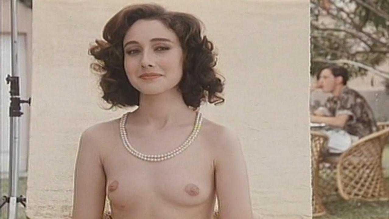 Jennifer Rubina Laser nude, Eva Robins nude - Gioco al massacro (1989)
