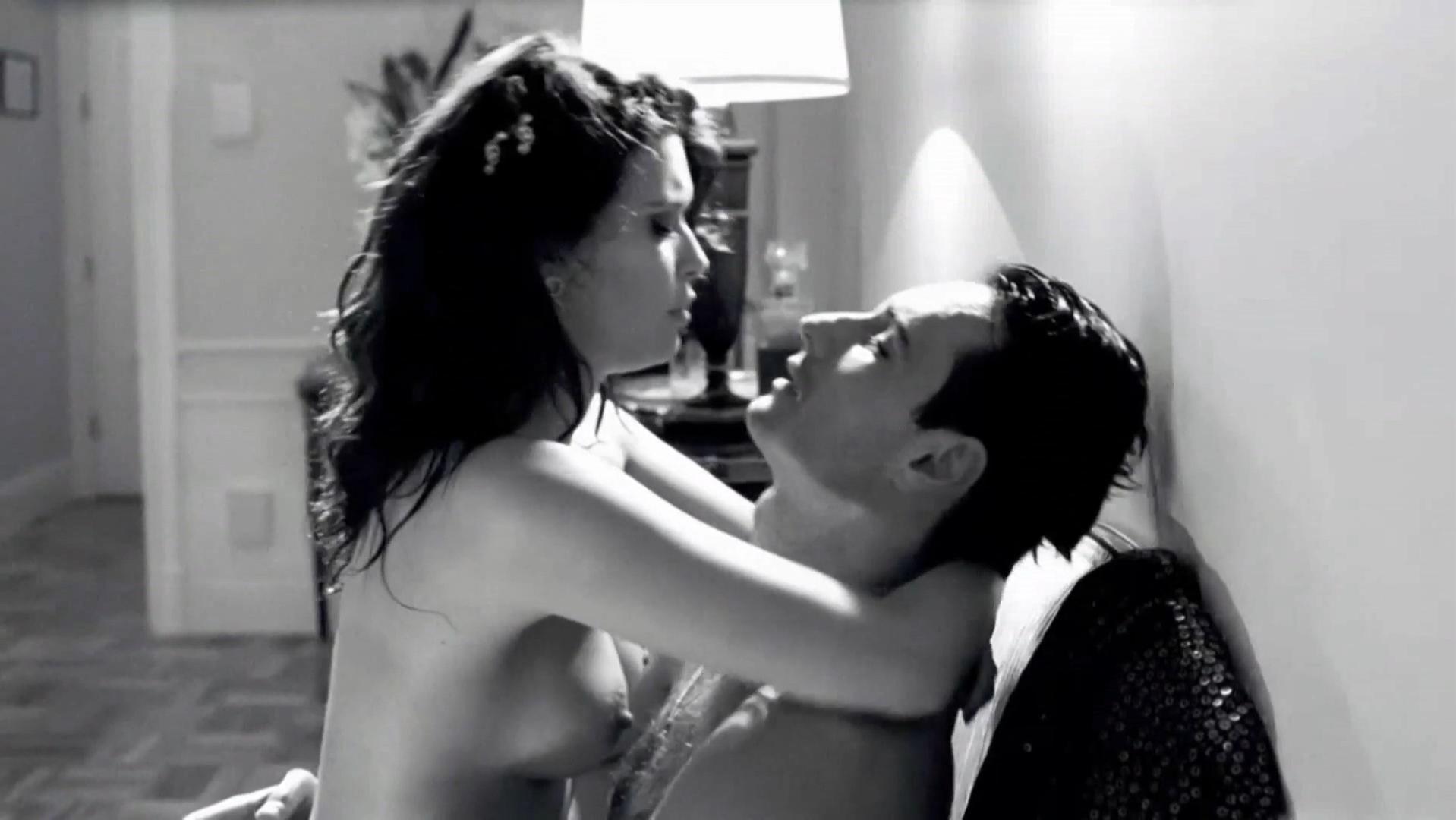 Angie Cepeda nude - Heleno (2011)