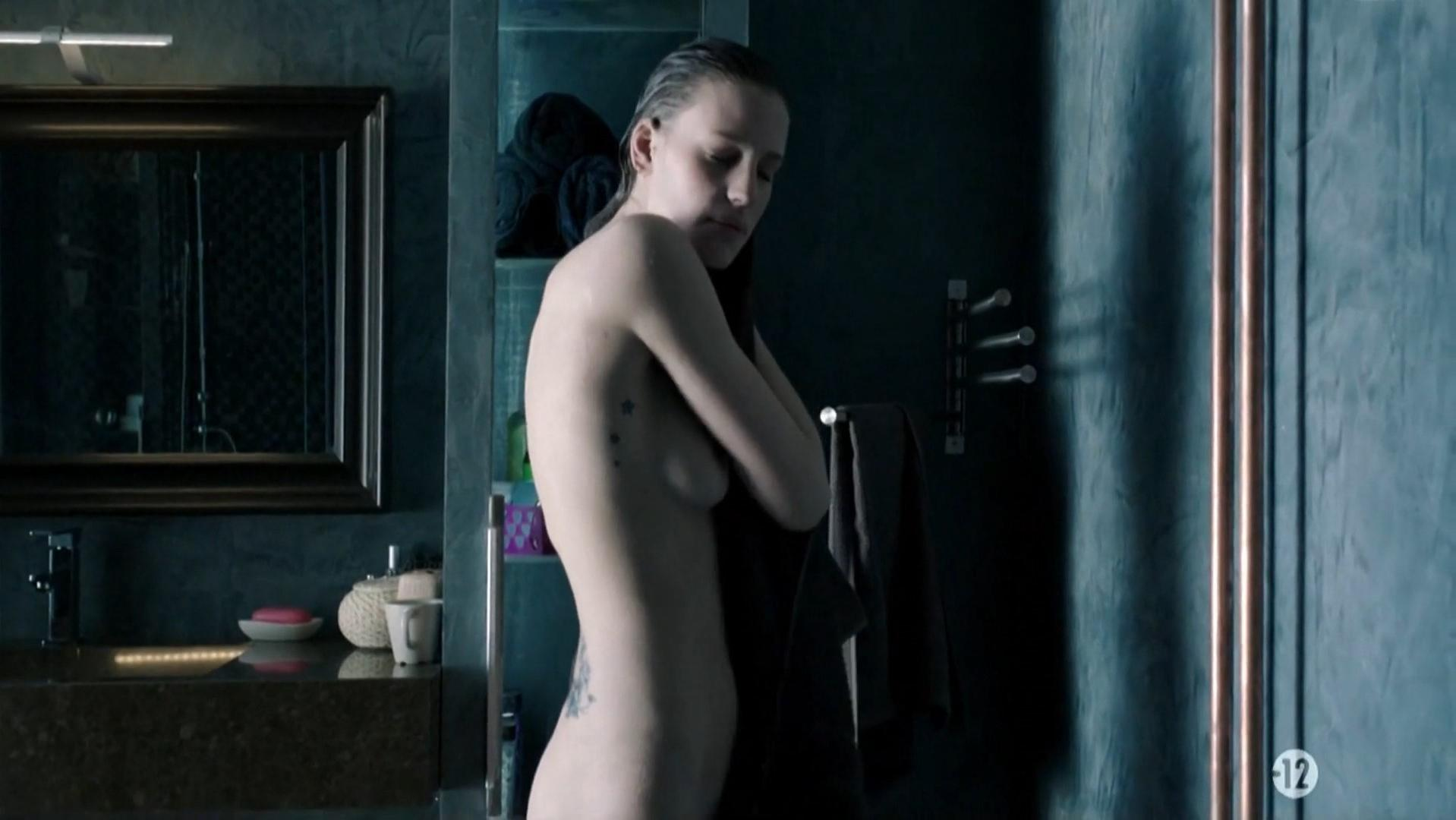 Juliette Dol nude, Evelinn Kostova nude - Section Zero s01e01 (2016)