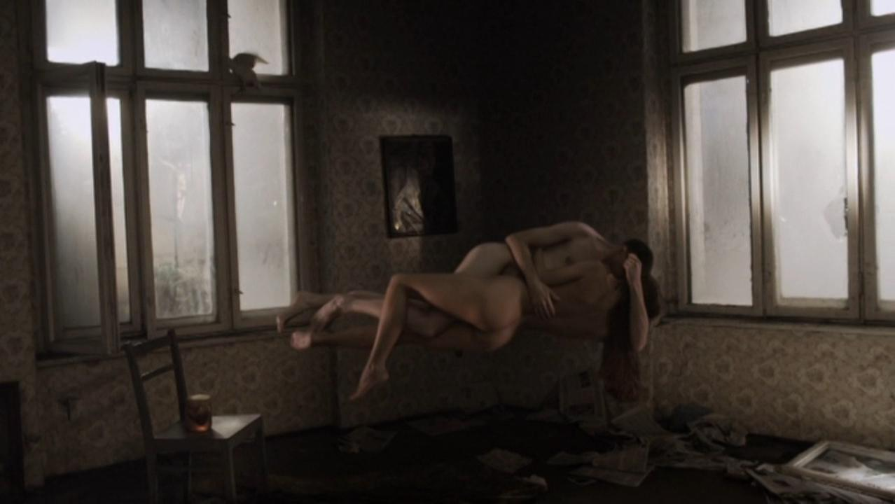 Ewa Matula nude, Anna Mielczarek nude - Onirica - Field of Dogs (2013)