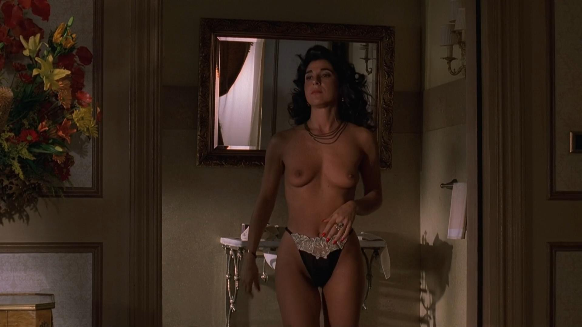 Alida Tarallo nude - The Sopranos s02e04 (2000)