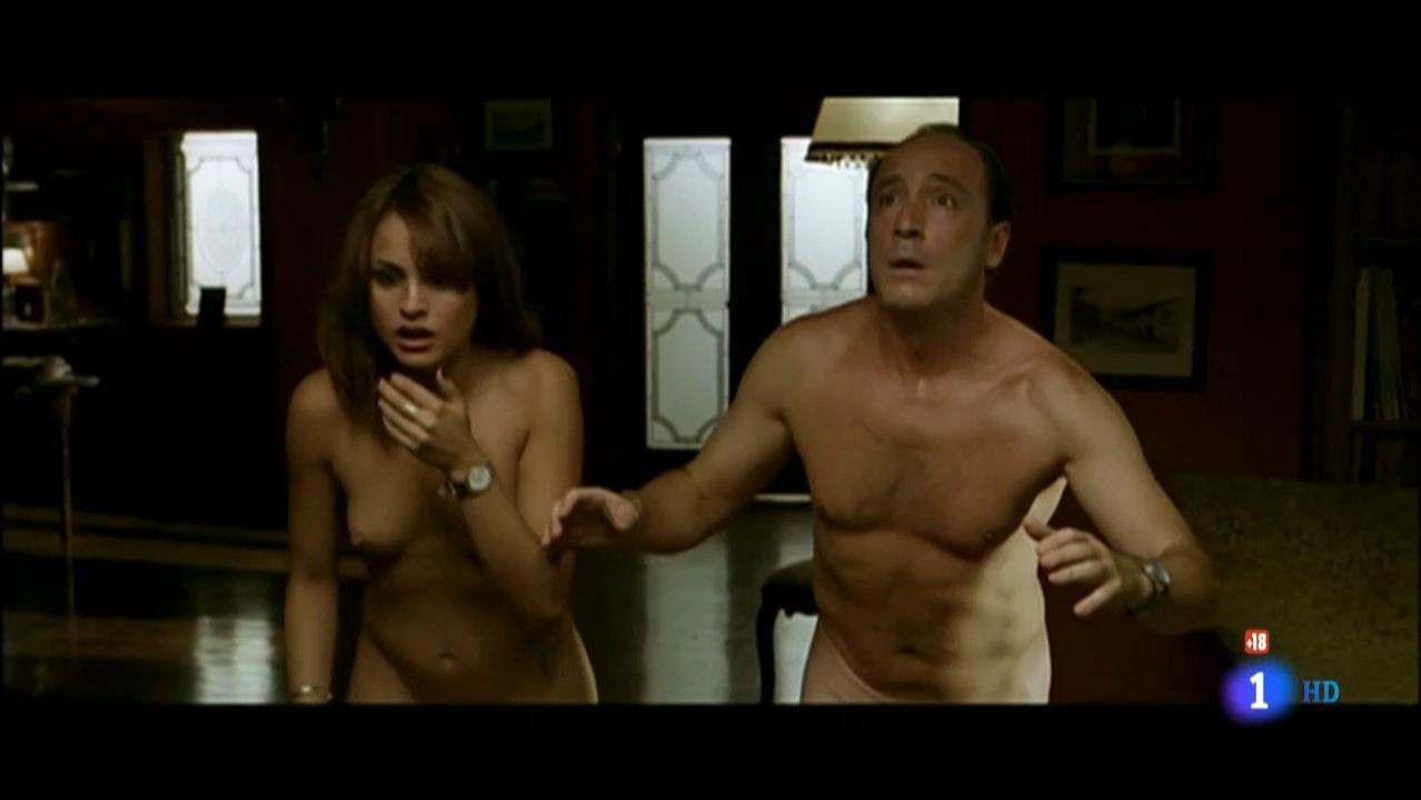 Veronica Echegui nude - El Menor De Los Males (2004)