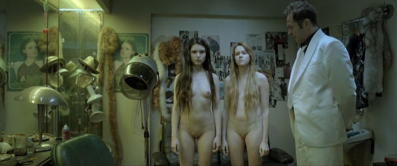 Michalina Olszanska nude, Magdalena Cielecka nude, Marta Mazurek nude, Paulina Galazka sexy - Corki dancingu (2015)