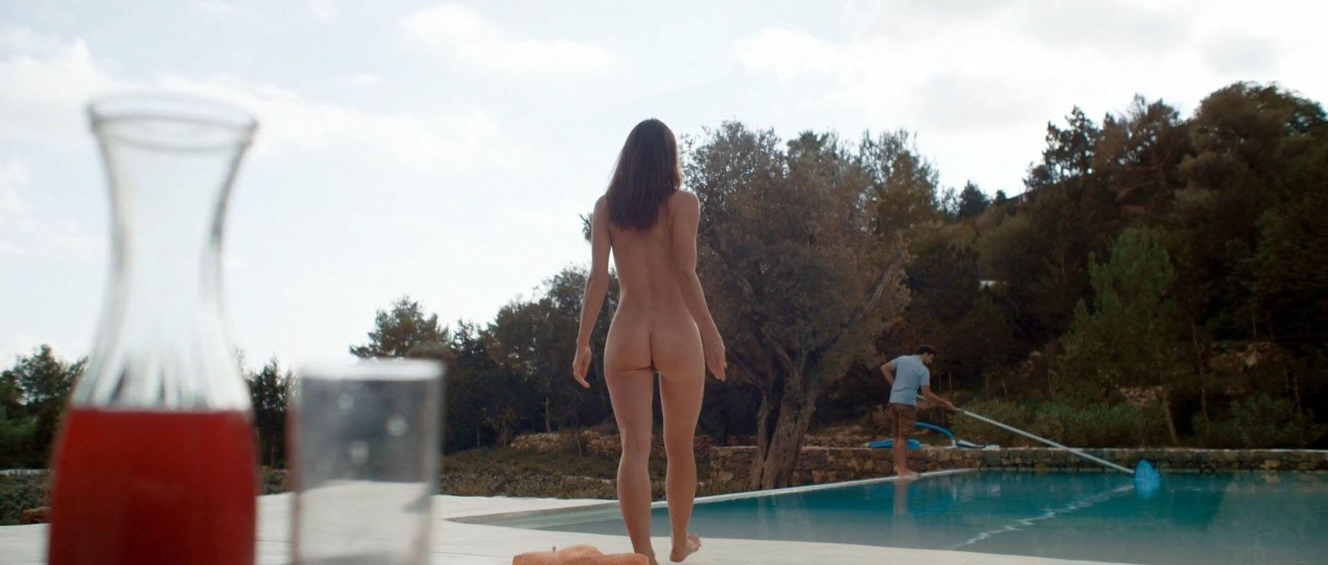 Kacey Barnfield nude - Blood Orange (2016)