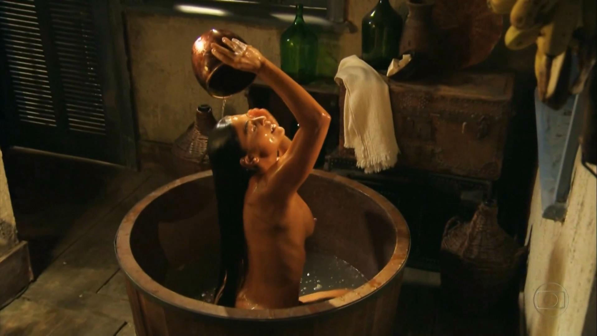Juliana Paes nude - Gabriela s01 (2012)
