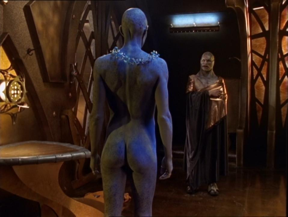 Virginia Hey nude - Farscape s01e04 (1999)