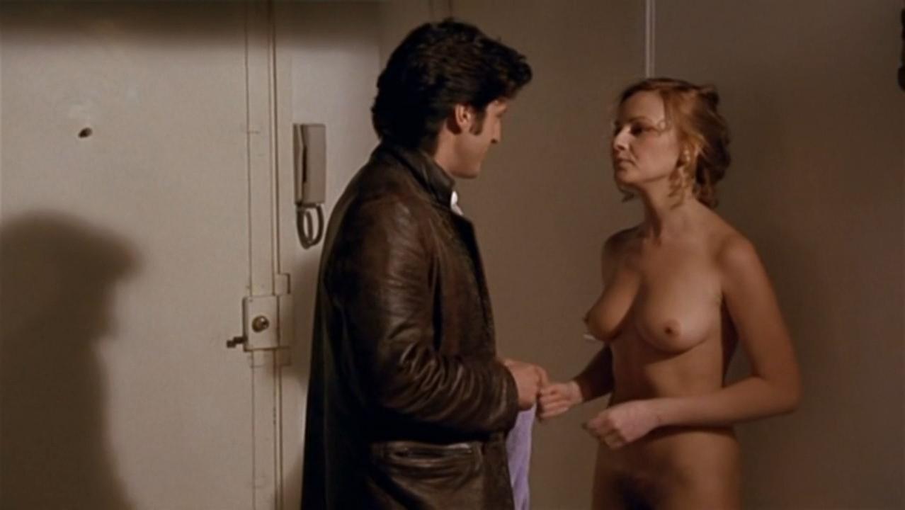 Isabelle Mergault nude, Elisa Servier nude - Pour cent briques t'as plus rien (1982)