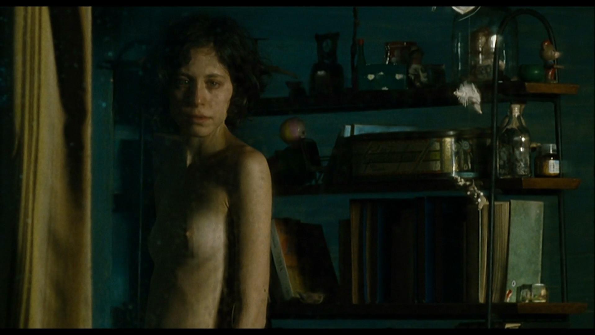 Ines Efron nude - XXY (2007)