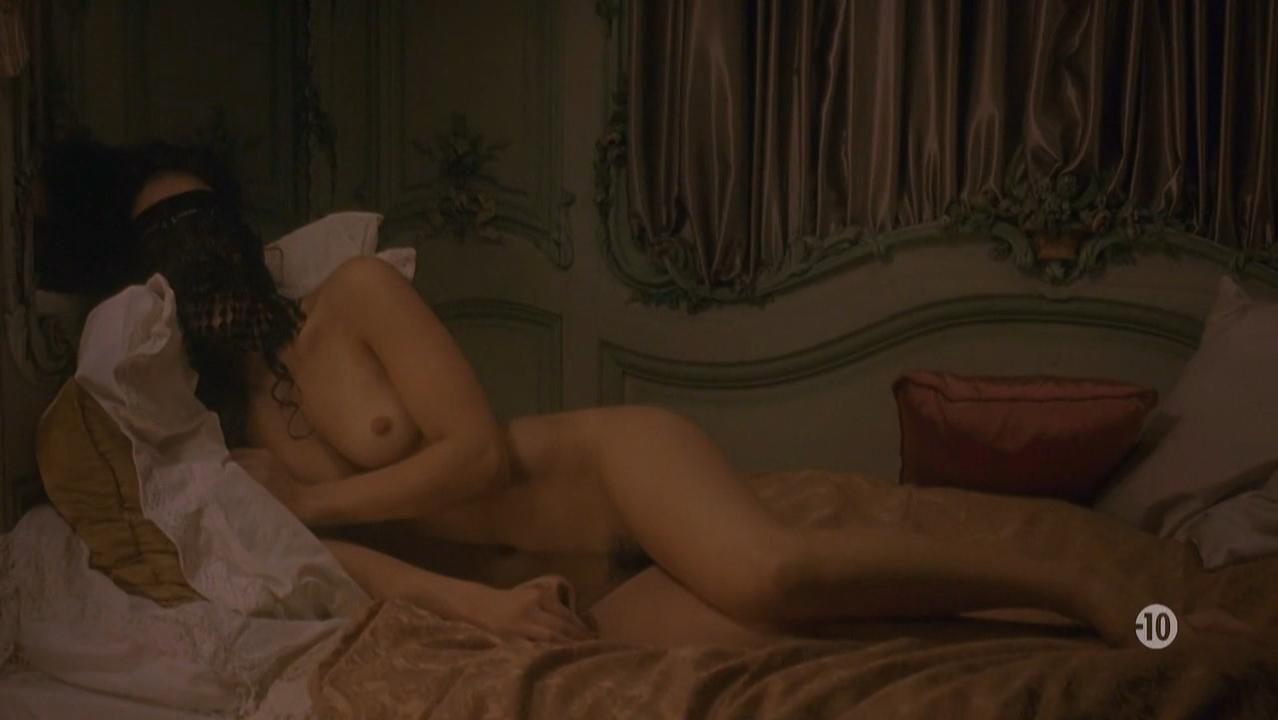 Vimala Pons nude - Nicolas Le Floch s01e02 (2008)