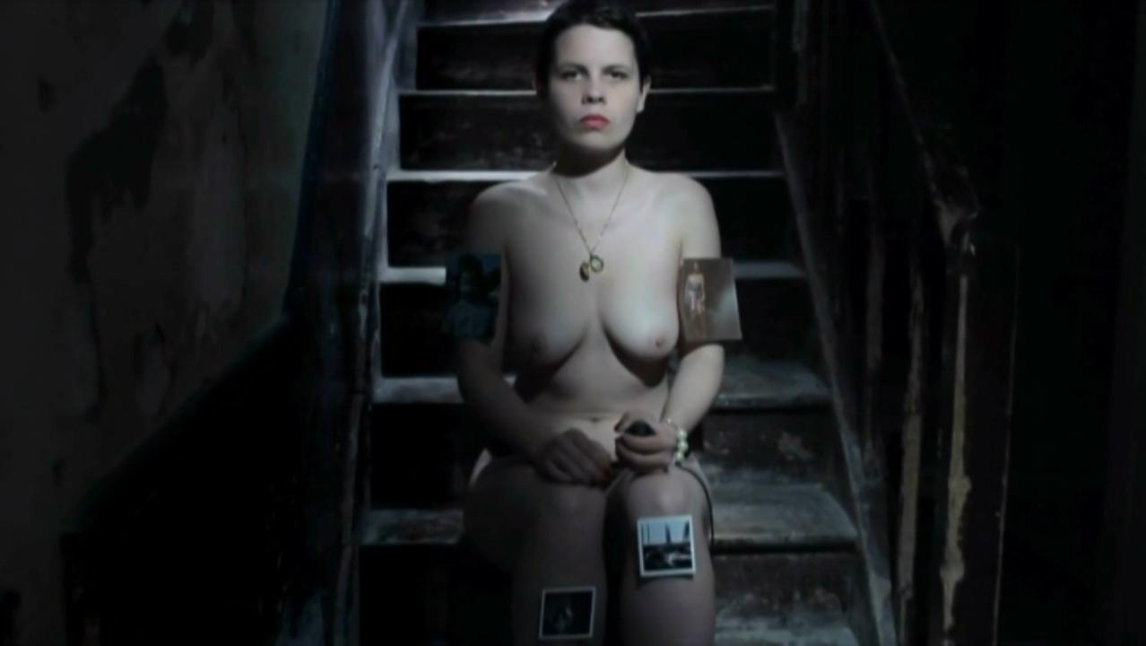 Tatiana Becquet Genel nude - Je (2012)