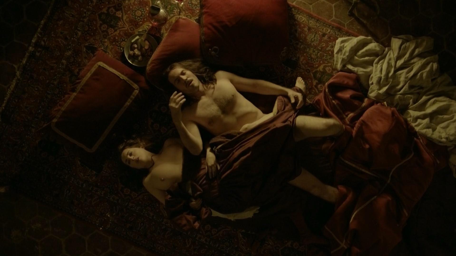 Amira Casar nude - Versailles s01e07 (2015)