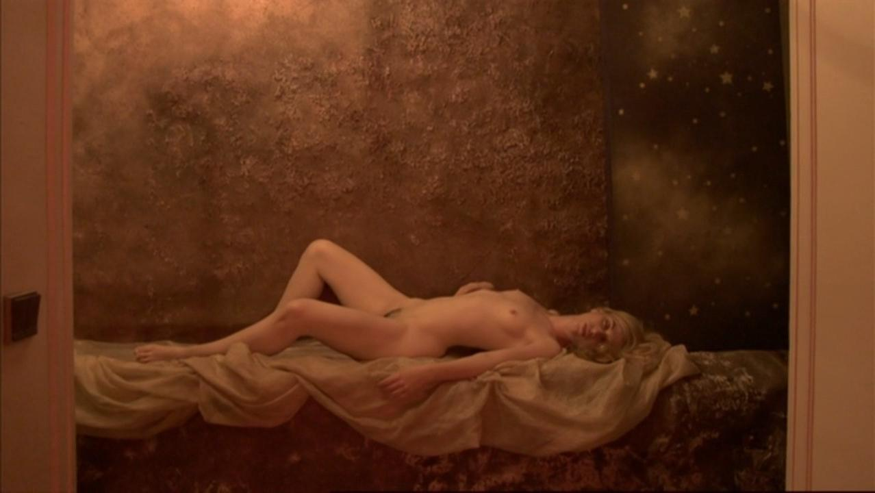 Virginie Legeay nude, Anne Berry nude - La fille de nulle part (2012)