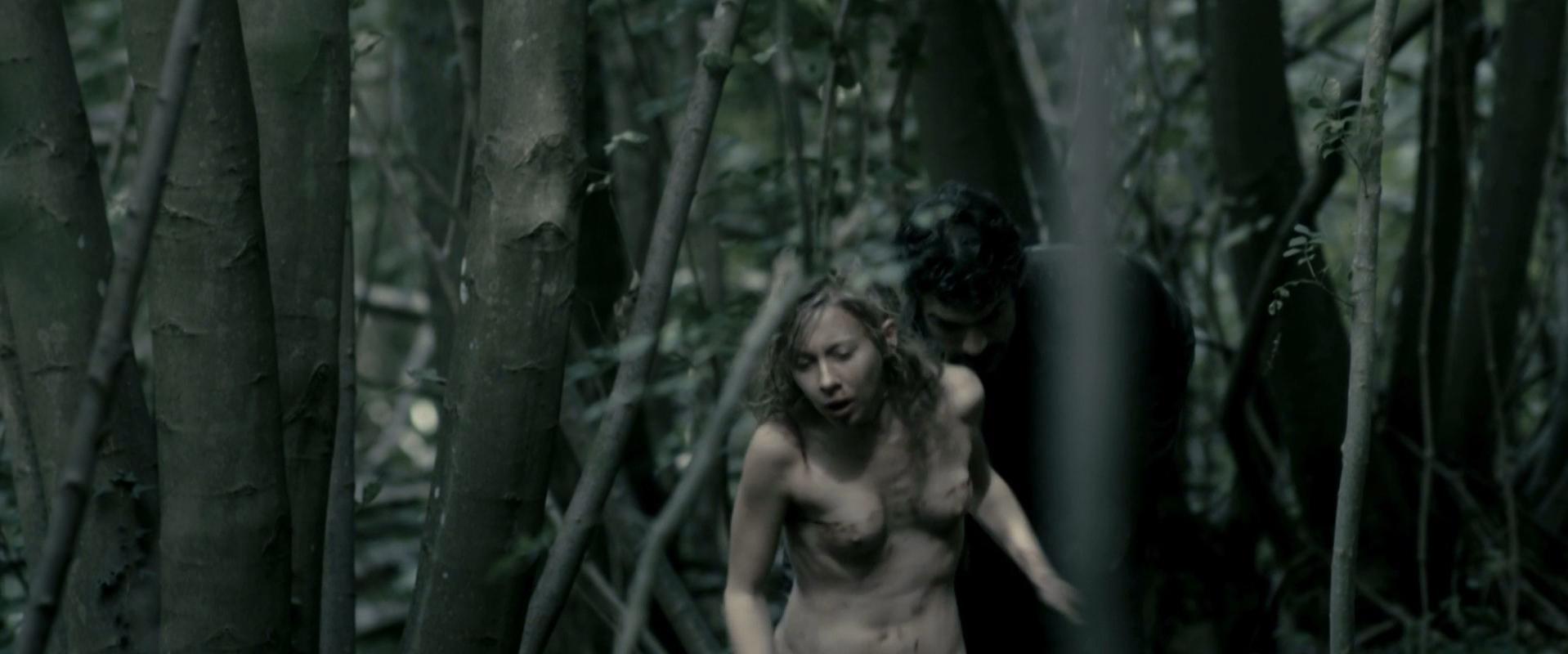 Geraldine Martineau nude - Le guetteur (2012)