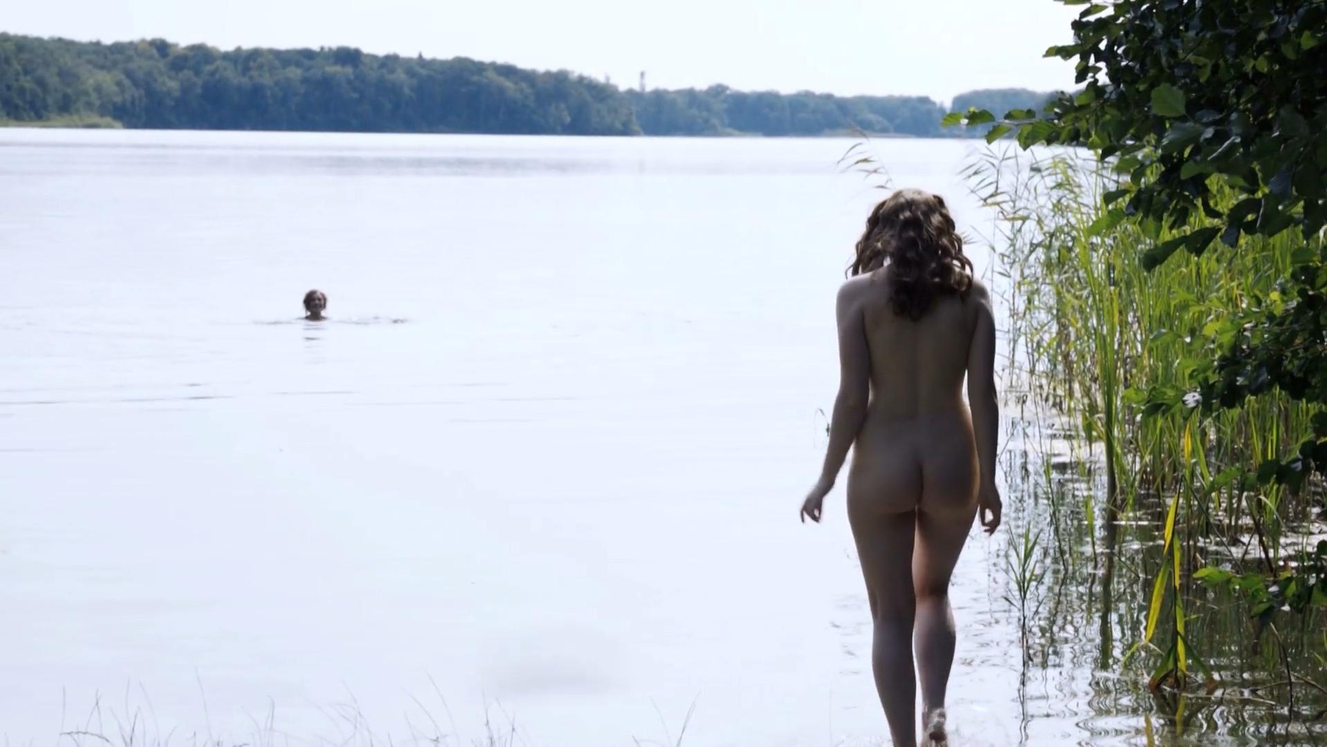 Christiane Paul nude, Maria Ehrich nude - Das Adlon. Eine Familiensaga (2012)
