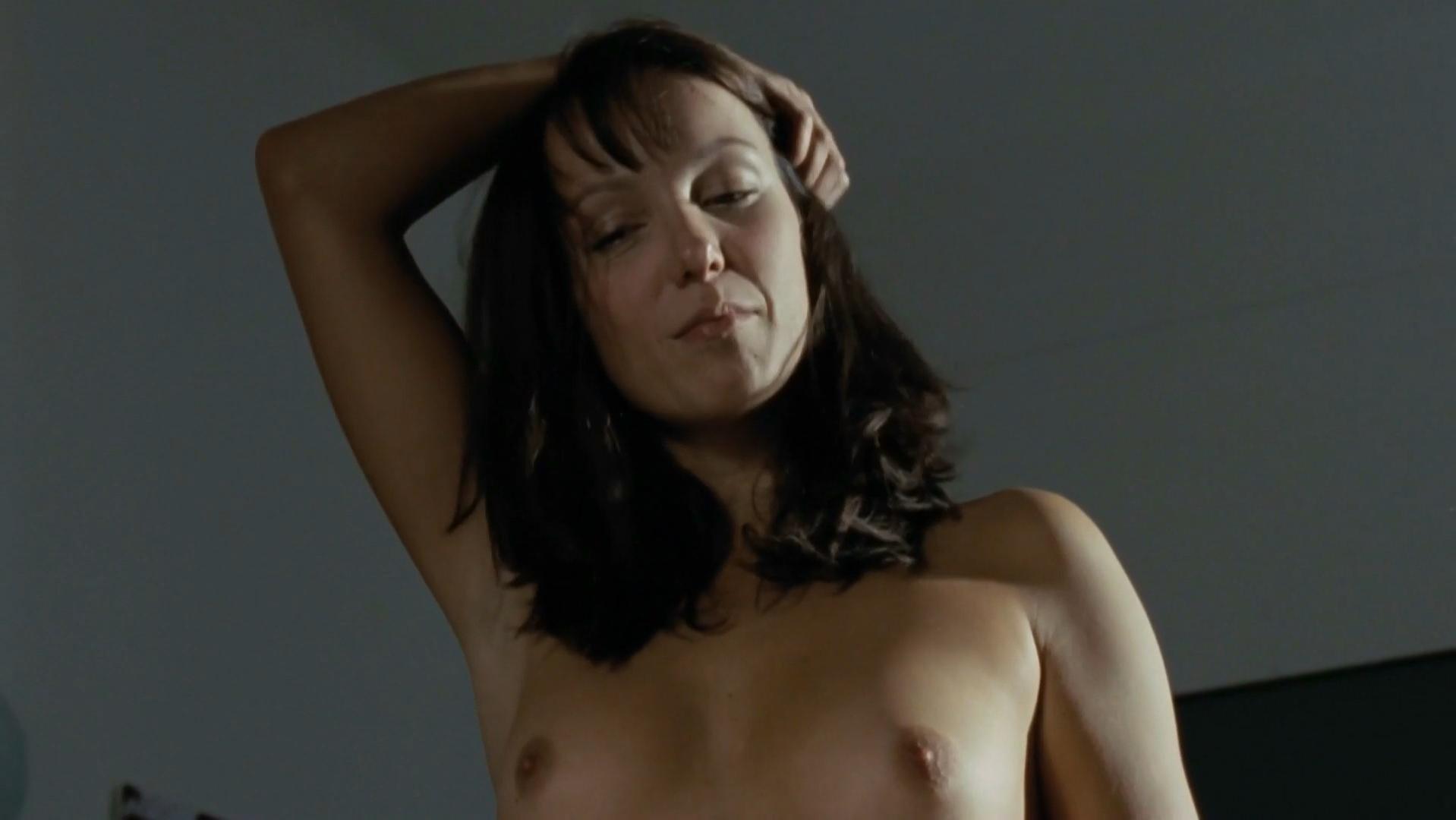 Julia Koschitz nude - Der Fall des Lemming (2009)