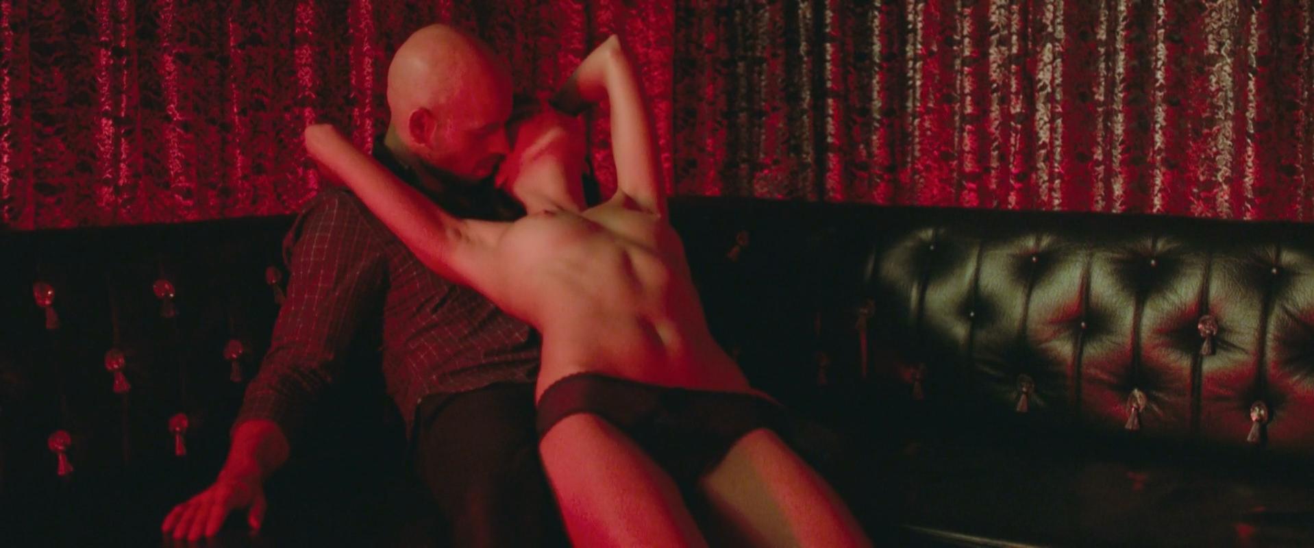 Mary-Lou Hermant nude, Mercedes Aspa Le Thi nude, Emilie Arthapignet nude - Toute premiere fois (2015)
