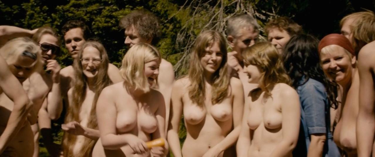 Sonja Richter nude, Frida Bagri nude - Sonner av Norge (2011)