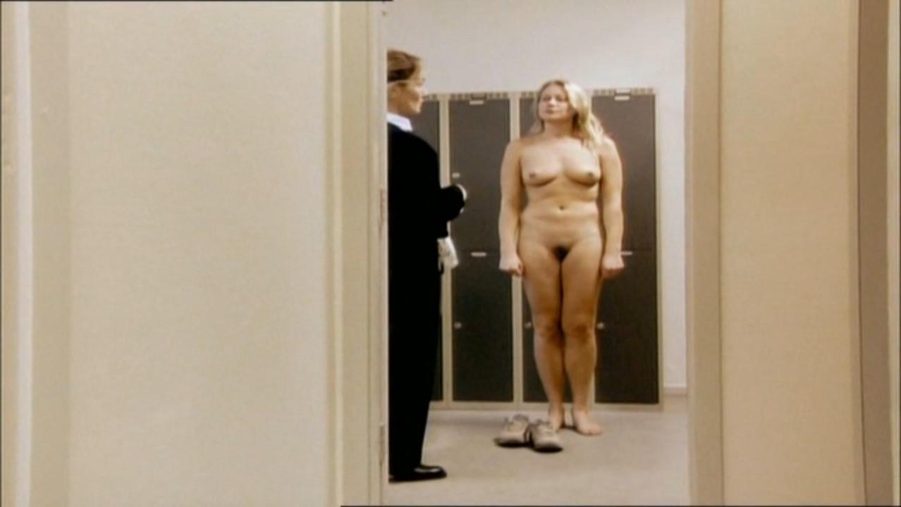 Trine Dyrholm nude - Forbrydelser (2004)