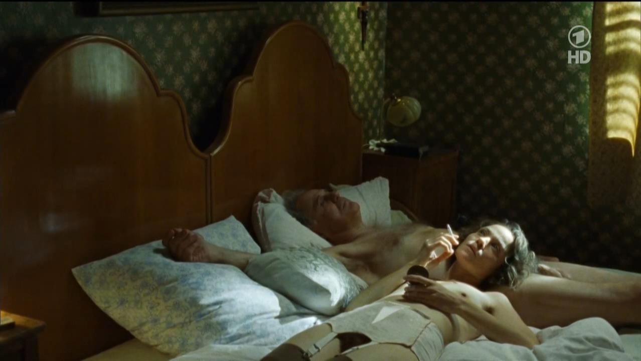 Jeanette Hain nude - Landauer - Der Prasident (2014)