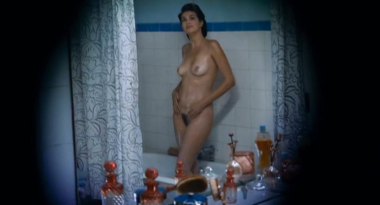 Helena Noguerra nude - Mumu (2010)