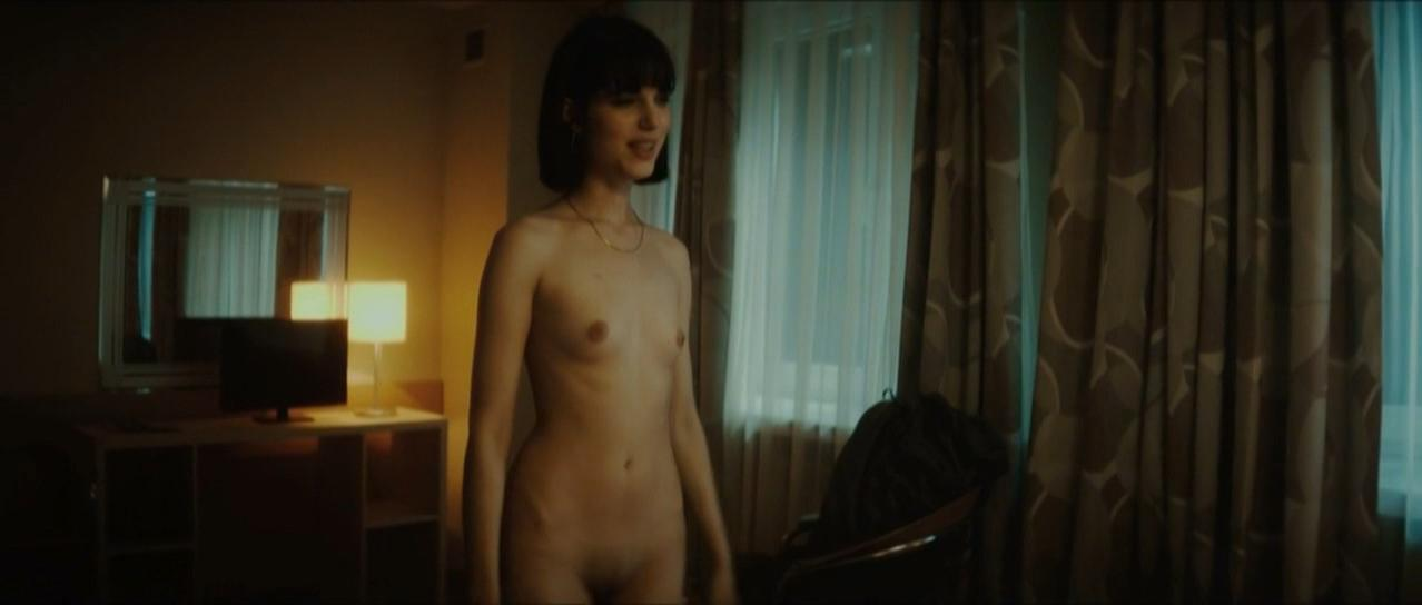Michalina Olszanska nude, Karolina Bakala nude - Anatomia Zla (2015)