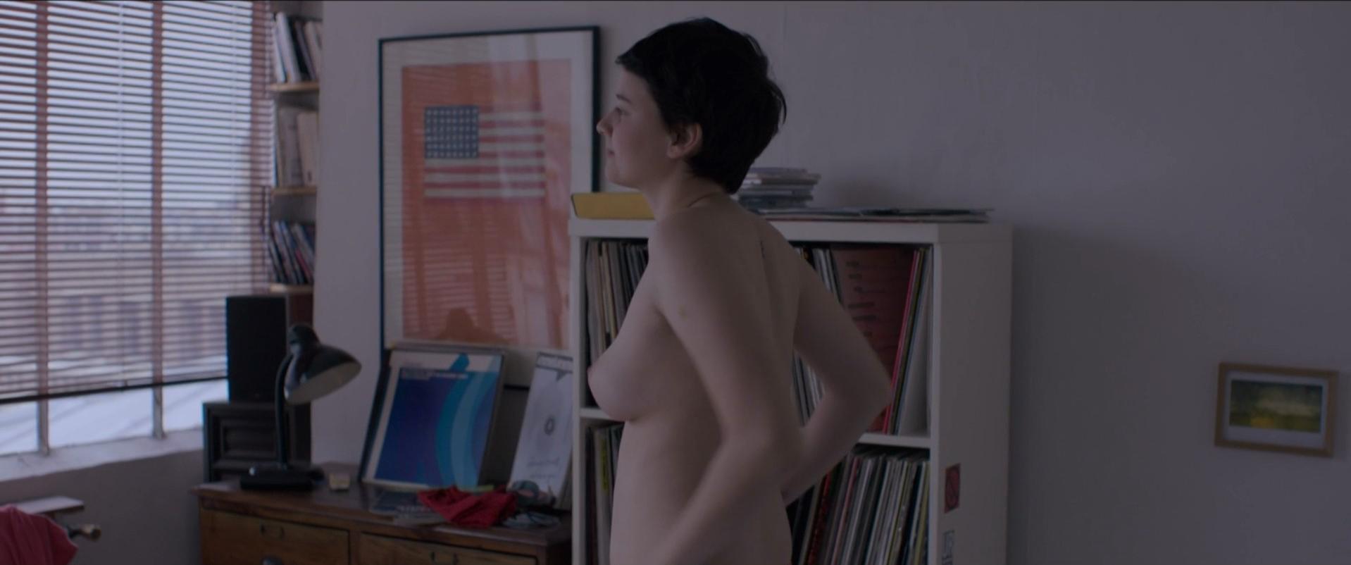 Pauline Etienne nude - Eden (2014) #2