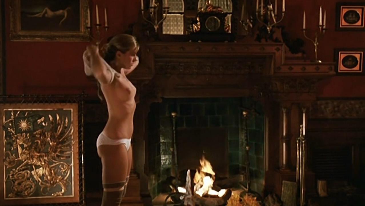 Sophie Duez nude, Carola Stagnaro nude - Una spina nel cuore (1986)