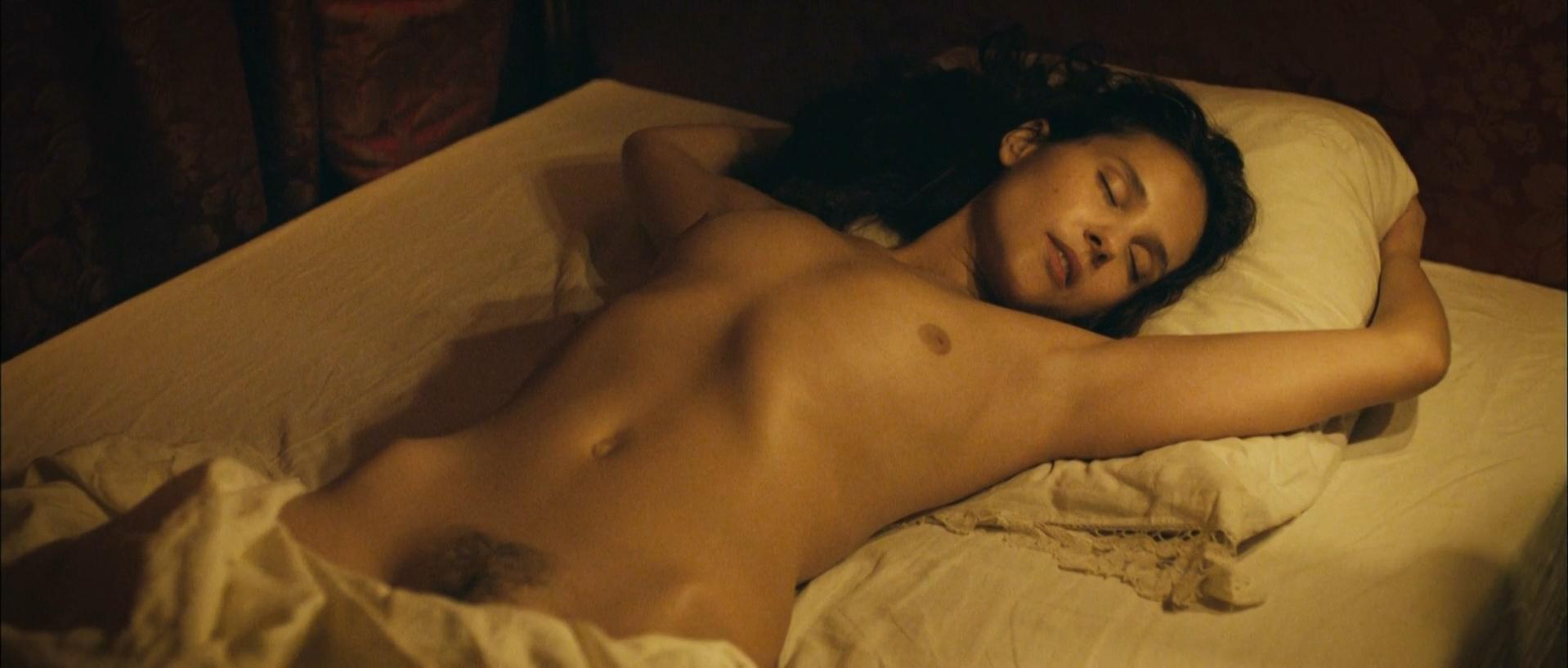 Virginie Ledoyen nude, Lea Seydoux nude - Farewell, My Queen (2012)